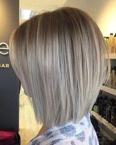 New Bob Haircuts 2019 & Bob Hairstyles 25 Bob Hair Trends for Women - Hairstyles Trends Textured Bob Hairstyles, Short Bob Hairstyles, Hairstyles Haircuts, Medium Hair Styles, Short Hair Styles, Hair Color And Cut, Great Hair, Short Hair Cuts, Short Blunt Haircut