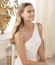 Pronovias Lacan Wedding Dress