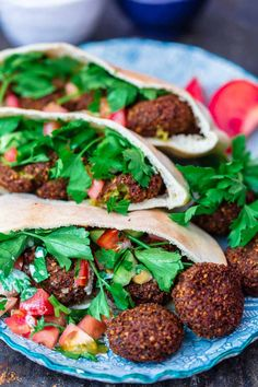 Easy Authentic Falafel Recipe: Step-by-Step (The Mediterranean Dish) Chickpea Recipes, Vegan Dinner Recipes, Vegetarian Options, Vegan Dinners, Vegetarian Recipes, Cooking Recipes, Cooking Ideas, Healthy Recipes, Mediterranean Diet Recipes