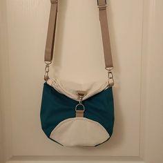 Ducky Craft sur Instagram: Sac Limbo pour ma tante terminé ! Modèle par Sacotin #sacotin #merceriedescreateurs #limbo #couture #sewing #sewingbag #handmade #diy…