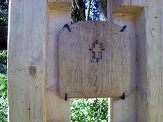 Kreuz am Wegrand - cross at the wayside