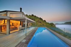 The Point Villas Taupo The Point Villas are situated in a private estate overlooking the blue waters of Lake Taupo, just 10 minutes' drive from Taupo town centre. Each villa has its own private mineral heated swimming pool.