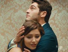 aşk laftan anlamaz 2.tanıtımı Cute Love Stories, Love Story, Romantic Couples, Cute Couples, Murat And Hayat Pics, Fiction Stories, Turkish Beauty, Cute Beauty, Pakistani Actress