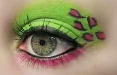 25 Creative Uses of Cosmetics - BuzzFeed Mobile