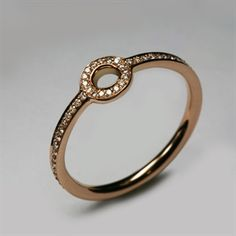 Micro Pop ring from Designer Stephen Einhorn