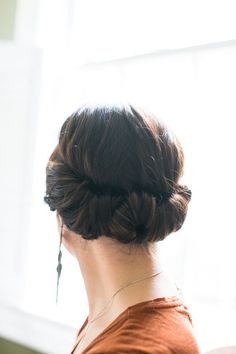 Easy hair tutorial: A two-minute headband updo that works great with shorter hair