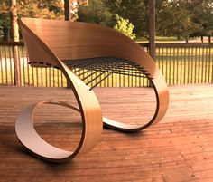 Carnaval la chaise festive par Guido Lanari et Jesica Vicente. Continuité dûe à la courbure : geste, variation, douceur mouvementée.