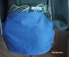 Apron with large pocket for hanging pins, clothes hanging  Klesklypeforkle