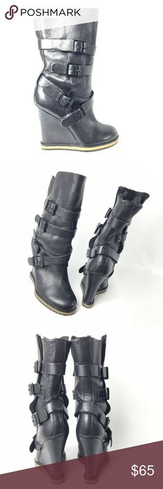 *SAM EDELMAN* woman's heeled boots 9/10. excellent condition. Minimal wear and tear all around both shoes. Can't find anything wrong with these other than some minor scuffs all around both shoes. Leather material with fur inside. Heel is 5.5 inches long. PLEASE ask questions or ask for pictures, if you have ANY doubts. I WORK FOR YOU 😉. Please do not hestitate to make an offer! PLEASE do not send an offer below or near 50% of the current price, I will decline🚫. I do not trade🚫. Thank you…