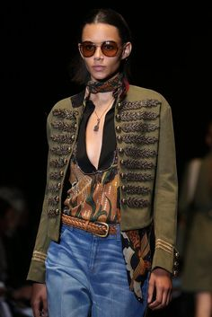 Gucci Spring 2015 Ready-to-Wear - Details - Gallery - Look 3 - Style.com