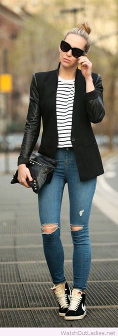 Jeans, blouse, blazer and accessories