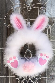 Fluffy Easter Bunny Wreath in under 30 minutes! How to make a Fluffy Easter Bunny Wreath in under 30 minutes!How to make a Fluffy Easter Bunny Wreath in under 30 minutes! Wreath Crafts, Diy Wreath, Door Wreaths, Wreath Ideas, Wreaths For Front Door, Front Porch, Spring Crafts, Holiday Crafts, Diy Osterschmuck