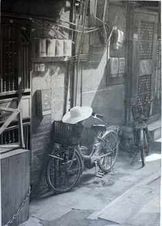 Realistic Drawing Bike - These spectacular images look like the work of a gifted photographer - but in fact they are all hyper-realistic paintings and drawings by Scottish artist Paul Cadden Paul Cadden, Watercolour Drawings, Cool Pencil Drawings, Amazing Drawings, Painting & Drawing, Pencil Art, Ink Drawings, Watercolors, Graphite Art