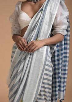 Saree Blouse Designs, Dress Designs, Saree Styles, Blouse Styles, Indian Clothes, Indian Outfits, Saree Jackets, Indian Fashion Trends, White Saree
