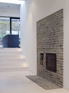 Floor brick detail. I'd like it even more with red brick. Villa Petersen by Cornelius + Vöge.