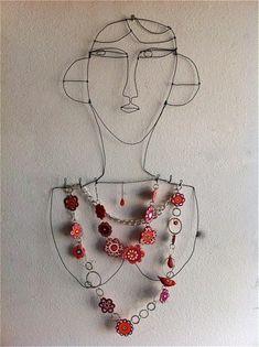 Creative jewelery display
