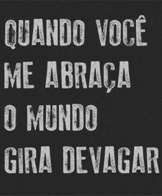 Porque o tempo parece parar quando abraçamos quem a gente ama! #AbracoBrasileiro #TudodeBom #Inspiracao