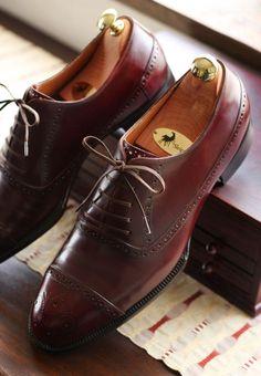 Roberto Ugolini Bespoke Dark Burgundy Antique Finish Balmoral Oxford men's dress #shoes #menswear
