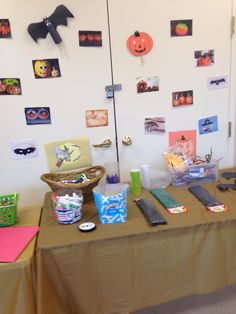 Table Layout of Halloween Crafts