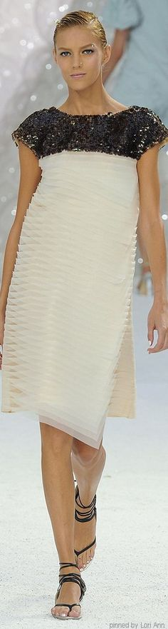 Chanel Spring 2012 RTW Chanel Outfit, Chanel Dress, Chanel Fashion, Fashion Brand, Fashion 2017, Coco Chanel, Chanel 2015, Chanel Couture, Chanel Spring