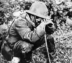 French soldier weeps after the Battle of France May Pin by Paolo Marzioli Shell Shock, Fighting Depression, Operation, The Book Thief, War Photography, Army Love, Military History, Ptsd, France