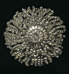 HUGE Gorgeous vintage Rhinestone Clip Very Sparkly for the Holidays! AMAZING!