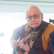 Jim Hall performs with his trio and fellow guitarist Julian Lage at the 2013 Newport Jazz Festival. John Scofield, Newport Jazz Festival, Sonny Rollins, Influential People, Jazz Musicians, Guitar, God, Musica, Dios