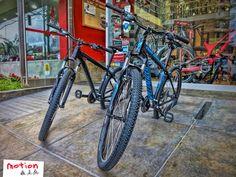 La Specialized Hardrock V 650B ya se encuentra en #Motion. Con los mejores componentes y una geometría cómoda y divertida que te dará la confianza e inspiración que necesitas, la Hardrock V 650b es la bici perfecta para iniciarse en el Mountain Bike. ¡Llévatela hoy a sólo US$ 599! #Specialized #Hardrock #650B #MTB