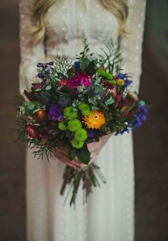 Boho chic style is so relaxed that I just can't help sharing such ideas with you! Wedding bouquets in this style are also peaceful yet very eye-catching. Most of boho brides love to choose...