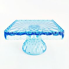 Elizabeth Cake Plate: Aqua