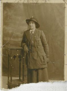 Eilís Uí Chonaill was born in 1894 in Longford into what she describes as a family 'with an Irish outlook', several family members were later involved in the revolutionary period. Eilís joined the Central Branch of Cumann na mBan at 25 Parnell Sqaure, Dublin after attending O'Donovan Rossa's funeral in August 1915. She was already a member of the Gaelic League. - See more at: http://www.militaryarchives.ie/collections/archives-spotlight/online-exhibitions/cumann-na-mban#sthash.ZMVB0qIA.dpuf