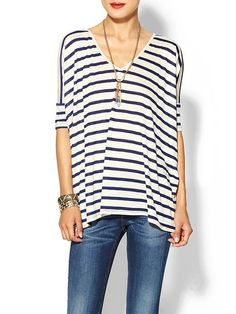 V neck stripes, fitted cuff. Love.