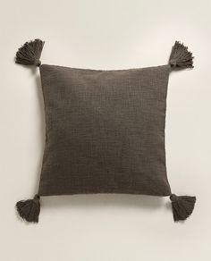 Image 1 of the product TASSELS CUSHION COVER Zara Home Canada, Zara Home España, Cushions, Throw Pillows, Cover, United Kingdom, Bedroom, United States, America
