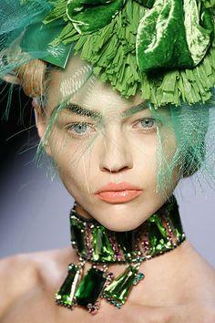Sasha Pivovarova - Christian Dior Fall 2007 RTW.