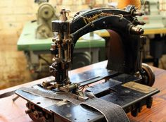 Union Special 6900 - Make Belt Loop Machine