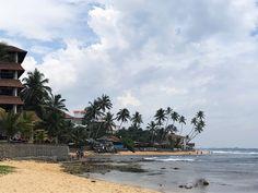 How to travel Sri Lanka in month – Hikkaduwa// VoyageCompass
