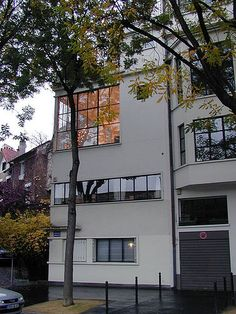 :) Ozenfant House and Studio (rua) - Le Corbusier