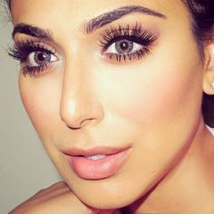 Great thick eye brows and eyelash extensions #lashbeauty #beautytrend