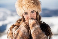 Stock Photo: Closed portrait of young beautiful woman enjoying the snowy mountains in winter, in Sierra Nevada, Granada, Spain. Girl Photography Poses, Winter Photography, Lifestyle Photography, Young And Beautiful, Beautiful Women, Maternity Stores, Stylish Outfits, Fashion Outfits, Photoshop