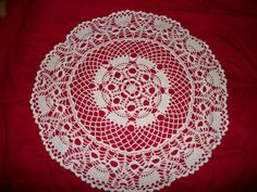 This was a nice pattern to do. Crochet Doilies, Tree Skirts, Table Runners, Christmas Tree, Rugs, Nice, Holiday Decor, Pattern, Home Decor