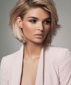 Best Bob Hairstyles & Haircuts for Women - Hairstyles Trends Short Hairstyles For Women, Cool Hairstyles, Hairstyle Ideas, Hair Ideas, Hairstyles Pictures, Bob Hairstyles For Thick Hair, Medium Haircuts For Women, Curly Hair, Pictures Of Short Haircuts
