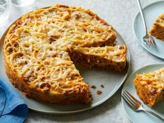 The Cheesiest Recipes Ever Made on The Kitchen The Kitchen: Food Network Food Network the kitchen recipes food network geoffrey zakarian o. Spaghetti Pie Recipes, Baked Spaghetti, Cheesy Spaghetti, Spaghetti Casserole, Crab Spaghetti, Cheesy Recipes, Beef Recipes, Cooking Recipes, Rice Recipes