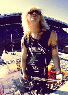 Duff McKagan with Metallica shirt