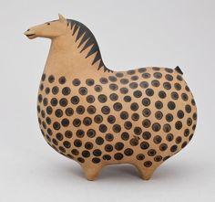 """hoveringcat: """"Стиг Линдберг был шведский дизайнер, который работал с керамики, стекла, текстиля, краски и многое другое. Его керамические конструкции лошади для Gustavsberg были особенно восхитительна. Найденный через Bukowskis Market. """""""