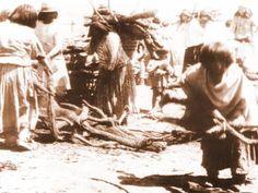Holzausgabe an Apachen in San Carlos