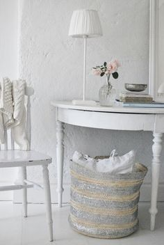 Julias Vita Drömmar I want that basket for laundry