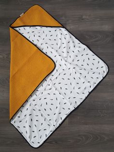 Unisex Baby Names, Unisex Baby Shower, Newborn Crochet Patterns, Crochet Baby, Love Sewing, Sewing For Kids, Unisex Nursery Themes, Nursery Ideas, Handmade Bed Linen
