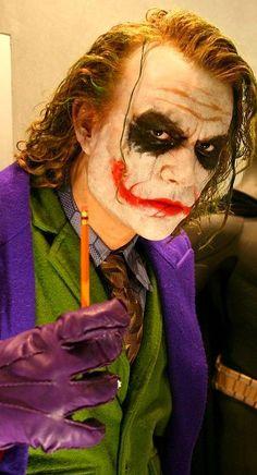 Hyper Realistic Sculptures of Movie Characters by Bobby Causey - Joker & Batman Harley Quinn Et Le Joker, Le Joker Batman, Der Joker, Real Batman, Batman Suit, Superman, Heath Ledger Joker, Marvel Dc, Wallpaper Animé