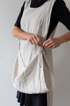 Bag Patterns To Sew, Vintage Sewing Patterns, Apron Sewing Patterns, Apron Pattern Free, Pinafore Apron, Gardening Apron, Sewing Aprons, Textiles, Free Sewing