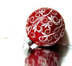 Ornamento di Natale: Ornamento rosso e bianco mano dipinta medio vetro ornamento